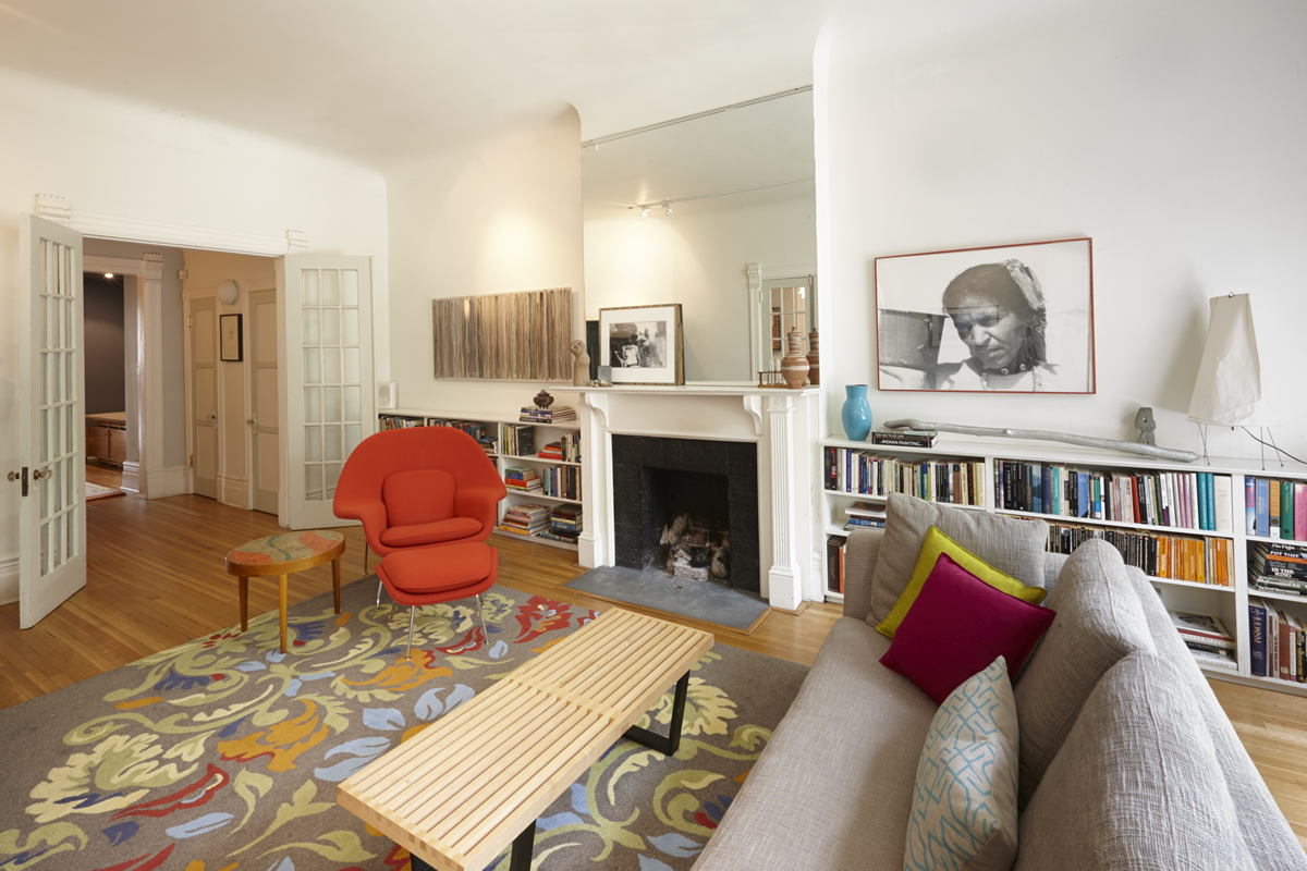 434 Markham - Living Room 2 edit